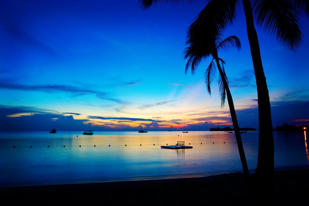 Baeutiful Sunset At One Of Jamaicas Beaches