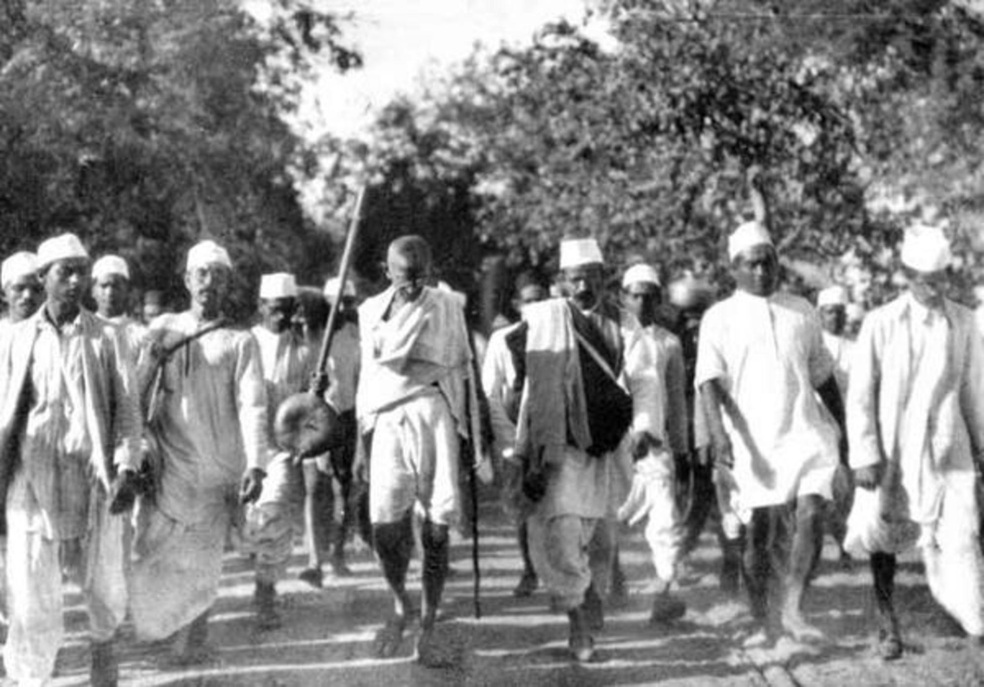 a description of gandhis popular philosophies satyagraha