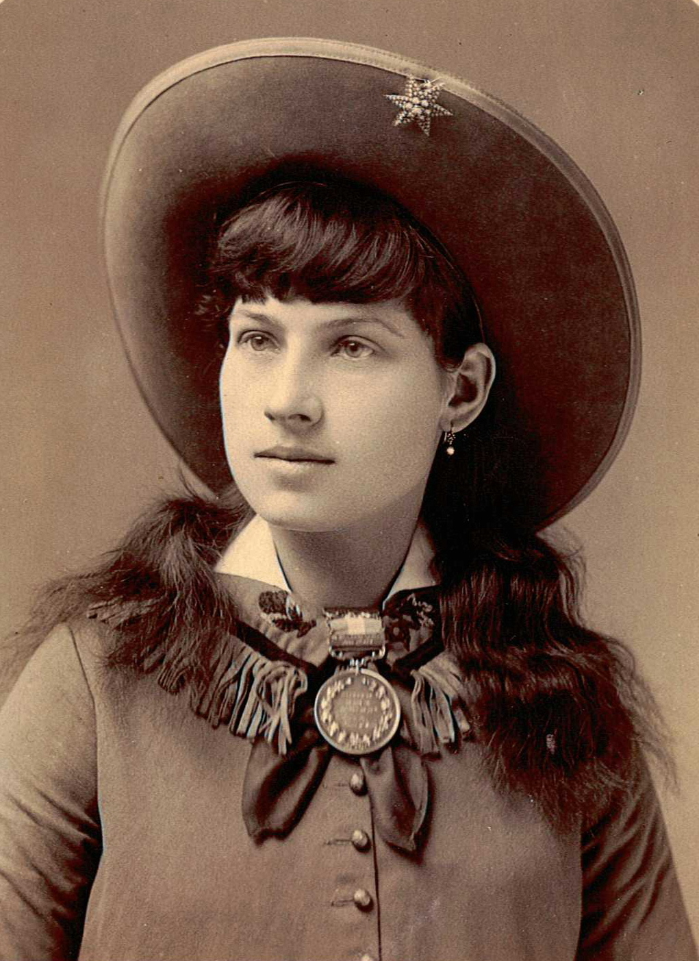 Who Was Annie Oakley? - m